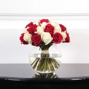 25 роз 50 см красные с белыми