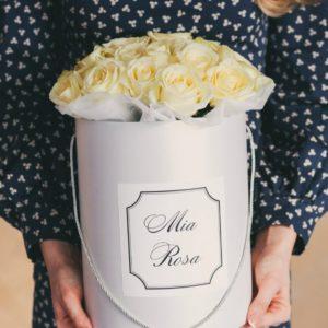 Mia Rosa. 19 роз