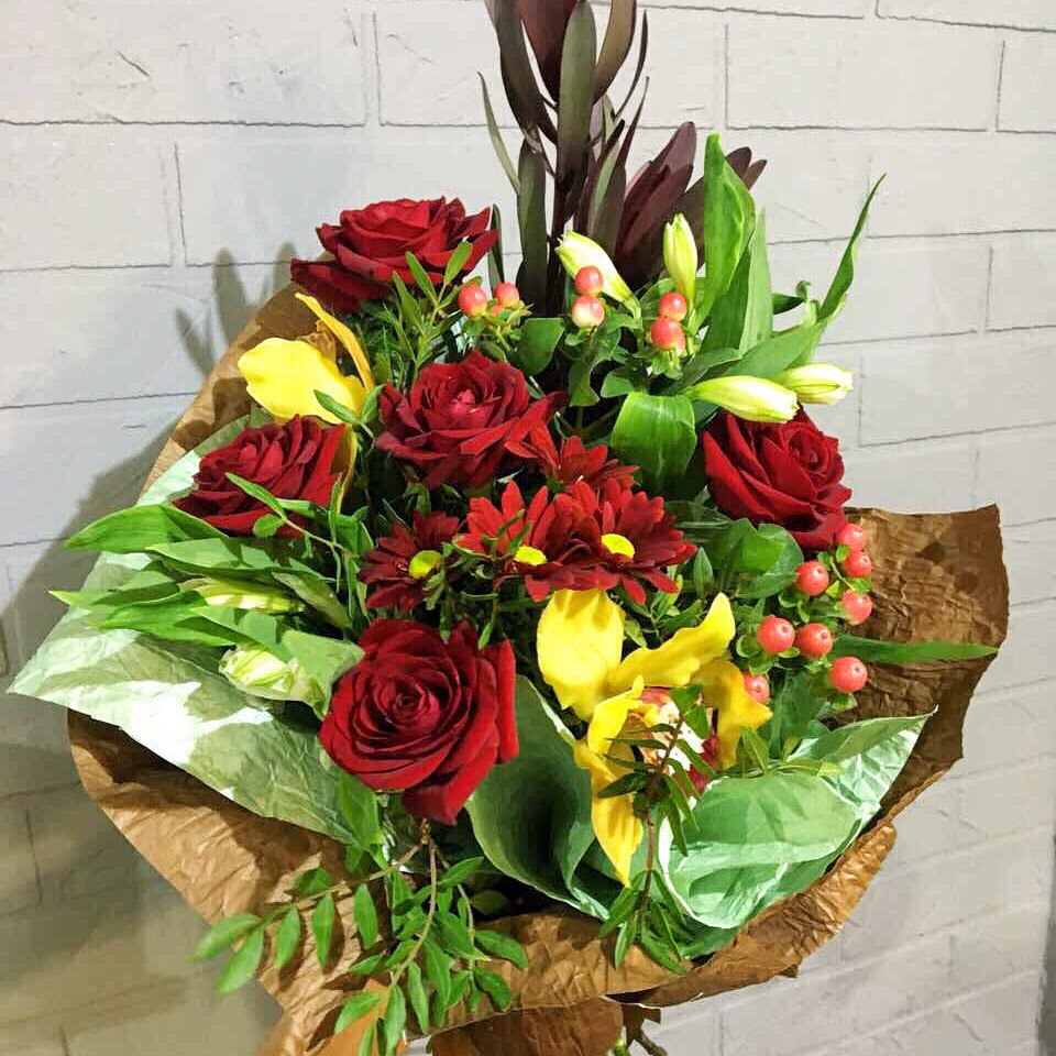 Букет цветов стильный